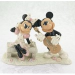 FIGURINE MICKEY FAIT LA SERENADE  A MINNIE